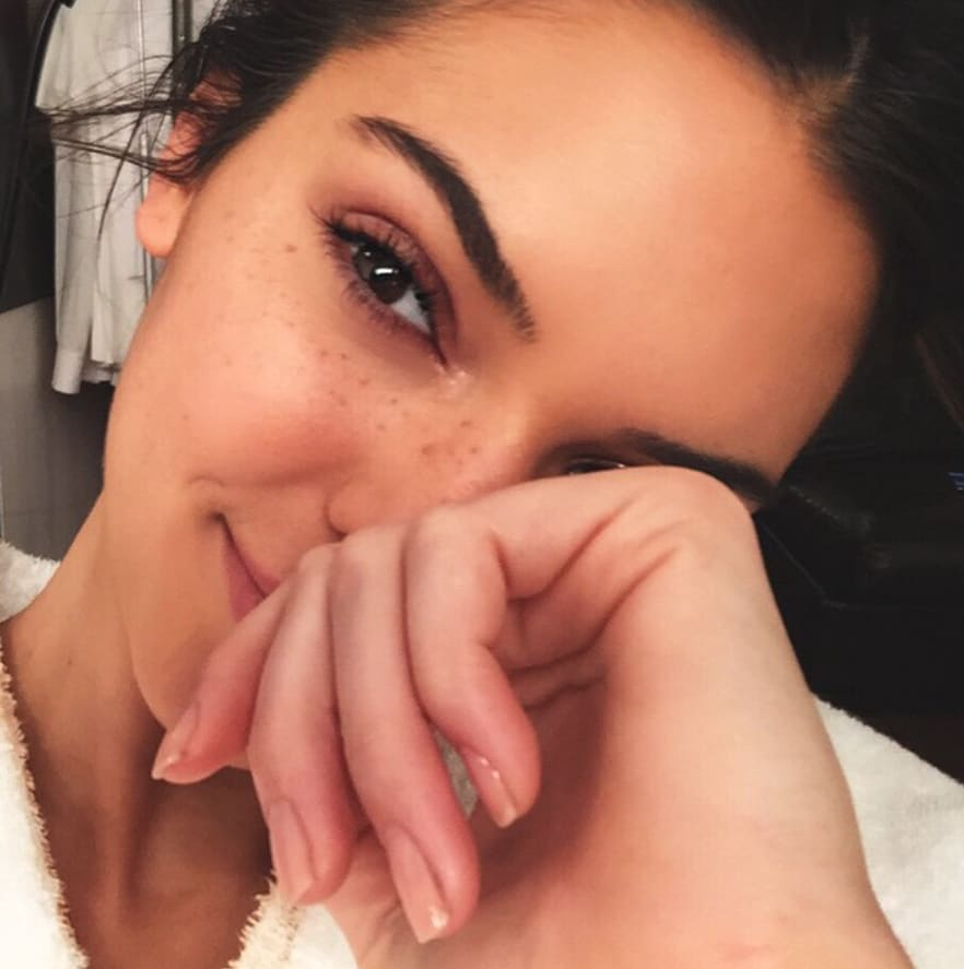 Kendall Jenner: No Makeup, All Freckles! - The Hollywood Gossip