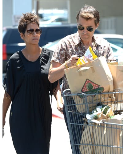 Halle Berry and Olivier Martinez Shopping