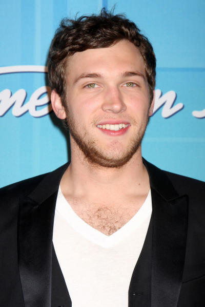 Phillip Phillips oon the Red Carpet