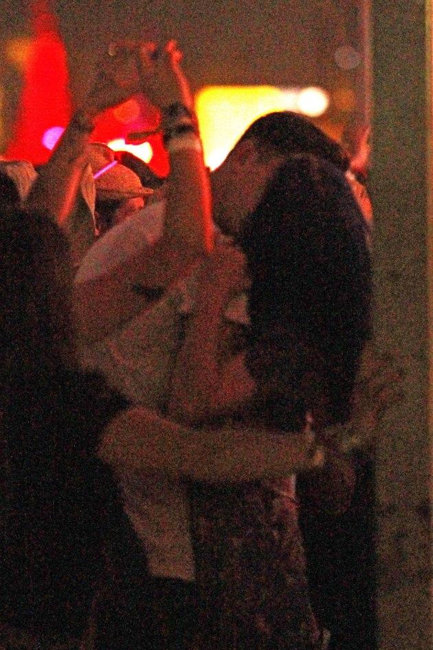Katy Perry Kissing