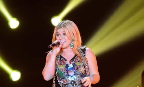 Kelly Clarkson Rules!