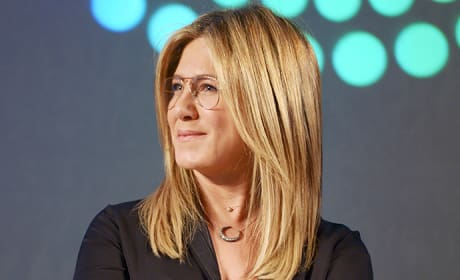 Jennifer Aniston in Glasses Photo