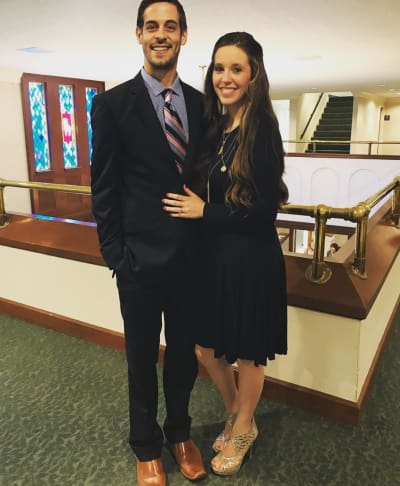 Jill Duggar Rocks Gold Shoes