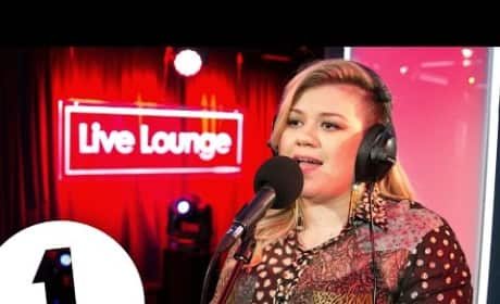 Kelly Clarkson Covers Rihanna: Listen Here!