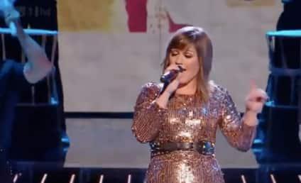 Kelly Clarkson Has a Blast on The X Factor UK
