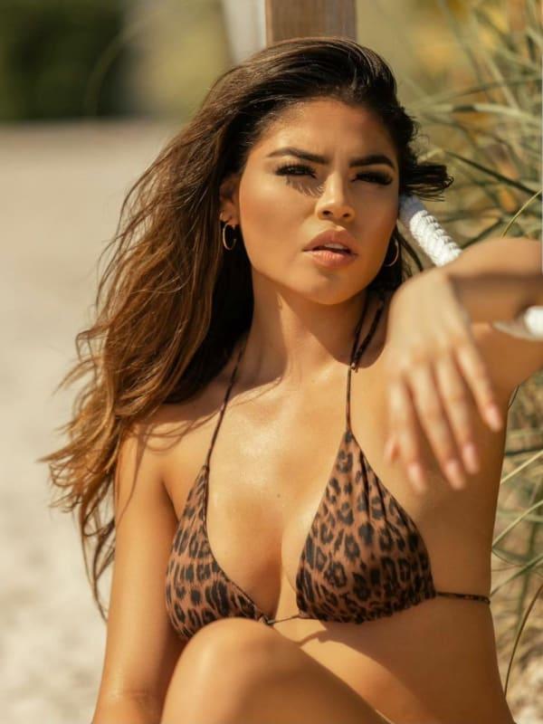 Fernanda flores stuns in a bikini