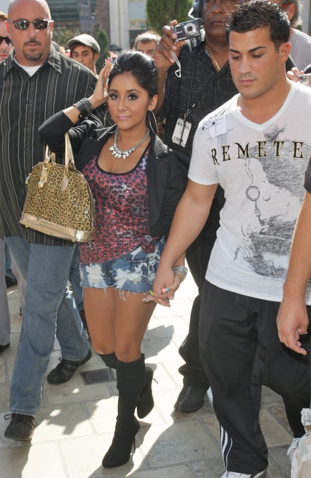 snooki and jionni hook up season 3 What started out as a season 3 hookup led to snooki and jionni's marriage and two children everything seems great for the couple old things do come up.