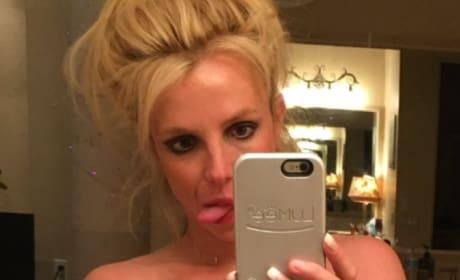 Britney Spears Abs Selfie