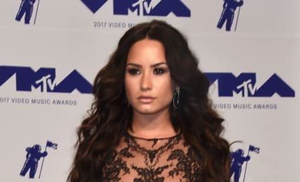 Demi Lovato: Celebrates Blue Belt Status with No Makeup Selfie!