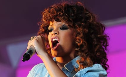 "Taylor Momsen Defends ""High-Class Hooker"" Look, Calls Out Rihanna Fashion"