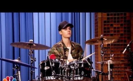 Justin Bieber vs. Questlove: It's a Drum-Off!