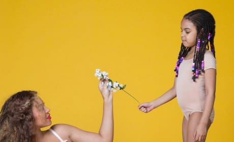 Beyonce: Nude, Pregnant and Gorgeous in New Photo Shoot