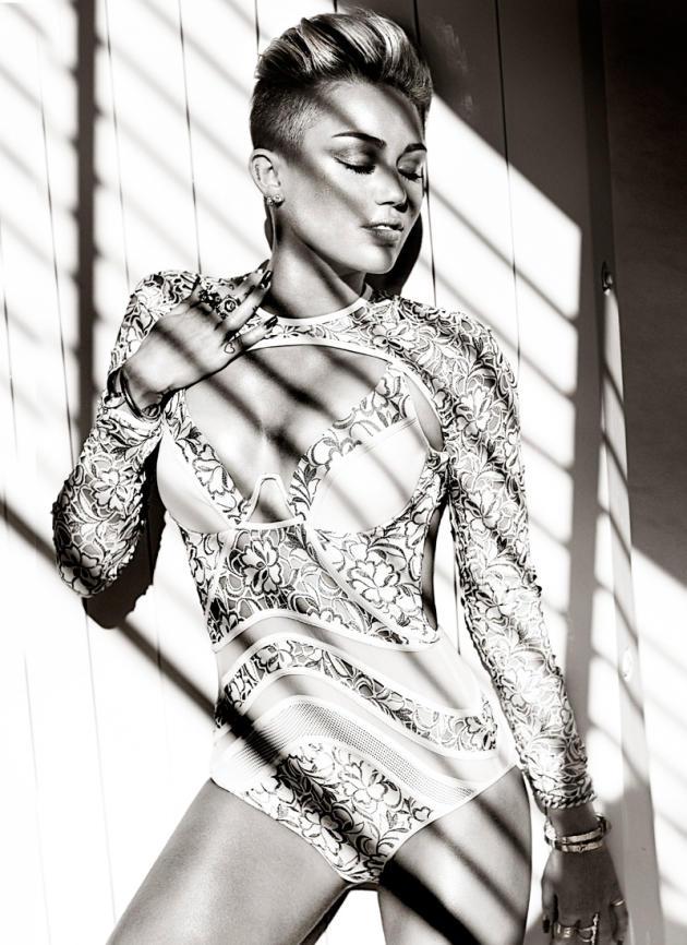 A Miley Cyrus Pose