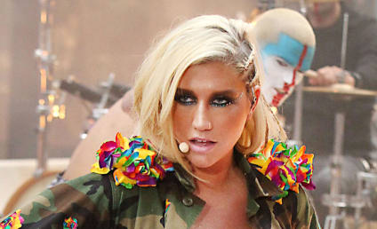 Ke$ha Enters Rehab, Admits to Eating Disorder
