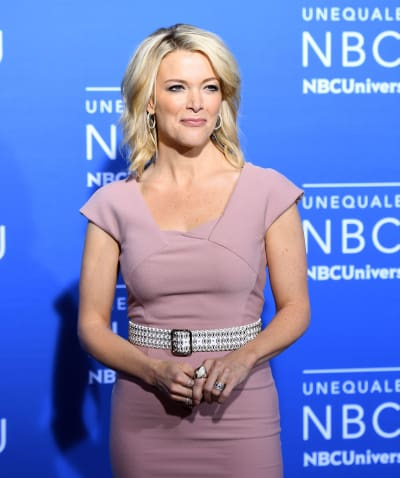 Megyn Kelly Stands and Chills
