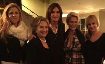 Caitlyn Jenner Actually Poses with Hillary Clinton