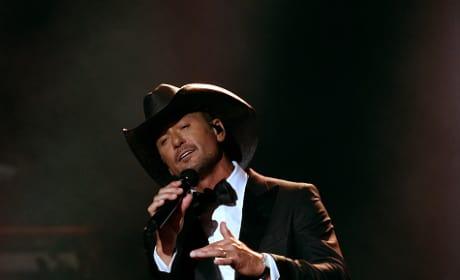 Tim McGraw Performs at 52nd CMAs