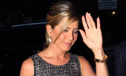 Jennifer Aniston: Dating Christopher Gartin?