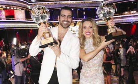 Nyle DiMarco and Peta Murgatroyd Win