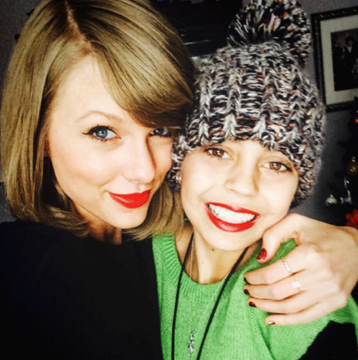 Taylor swift stuns cancer patient see the sweet pics the taylor swift stuns cancer patient see the sweet pics the hollywood gossip m4hsunfo