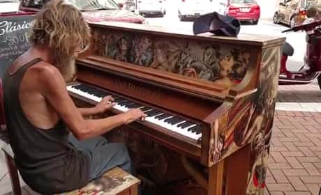 Homeless Man Plays Piano on Street, Goes Viral