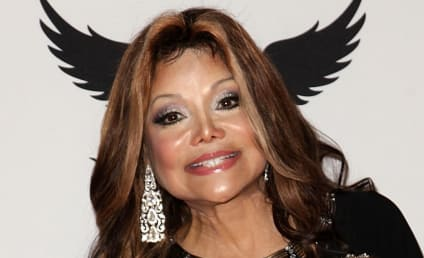 La Toya Jackson Calls For Family Truce