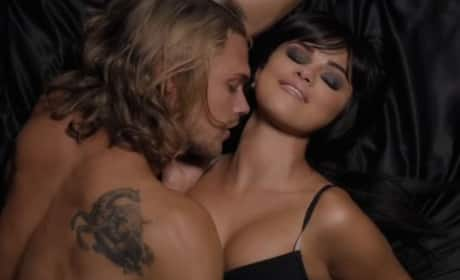 "Selena Gomez ""Hands to Myself"" Music Video"