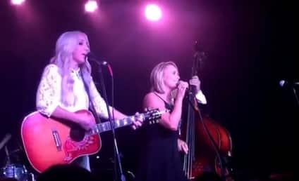 Miranda Lambert Hits the Stage, Performs Post-Divorce