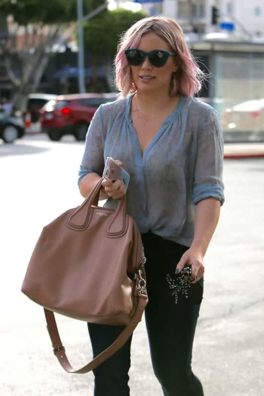 Hilary Duff Stops By Coffee Bean & Tea Leaf