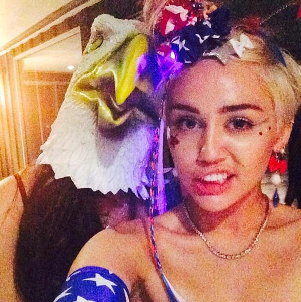 Miley Cyrus, Patriotic Host