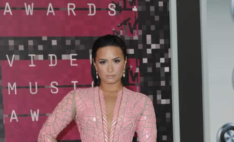 Demi Lovato at the 2015 VMAs
