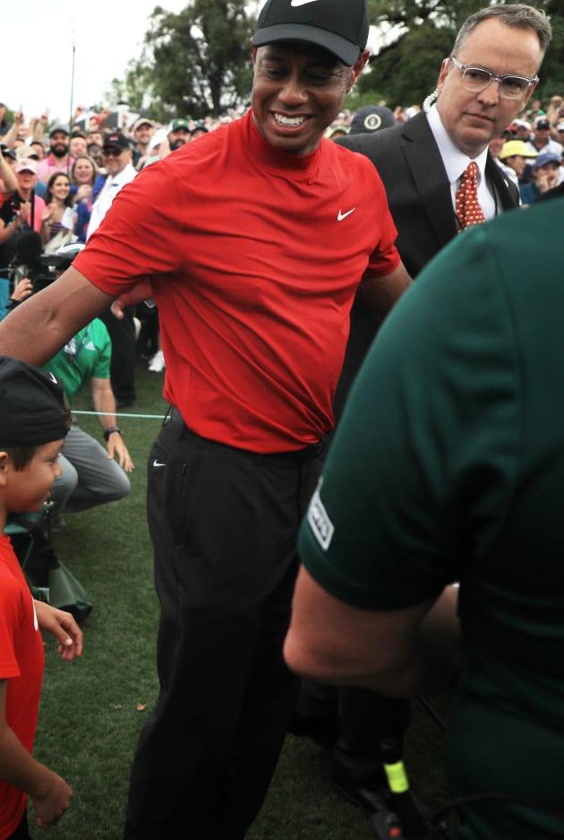 Som är Tiger Woods dating nu 2014