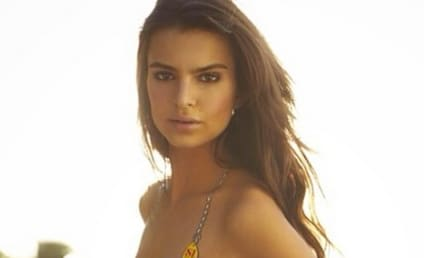 Emily Ratajkowski: Nearly Nude Instagram Photo Wins Internet!
