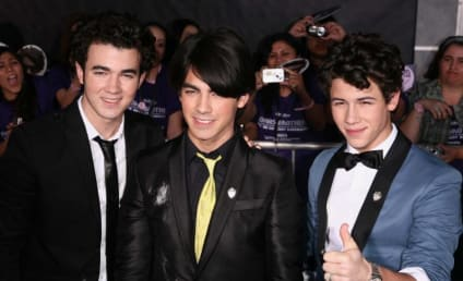 The Jonas Brothers Honored, Look Adorable
