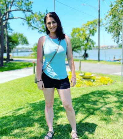 Jessica Seewald Rocks Shorts