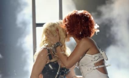Britney Spears and Rihanna: The Kiss Revealed!