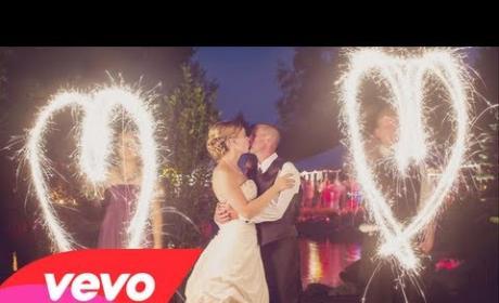 "Kelly Clarkson - ""Tie It Up"" (Music Video)"