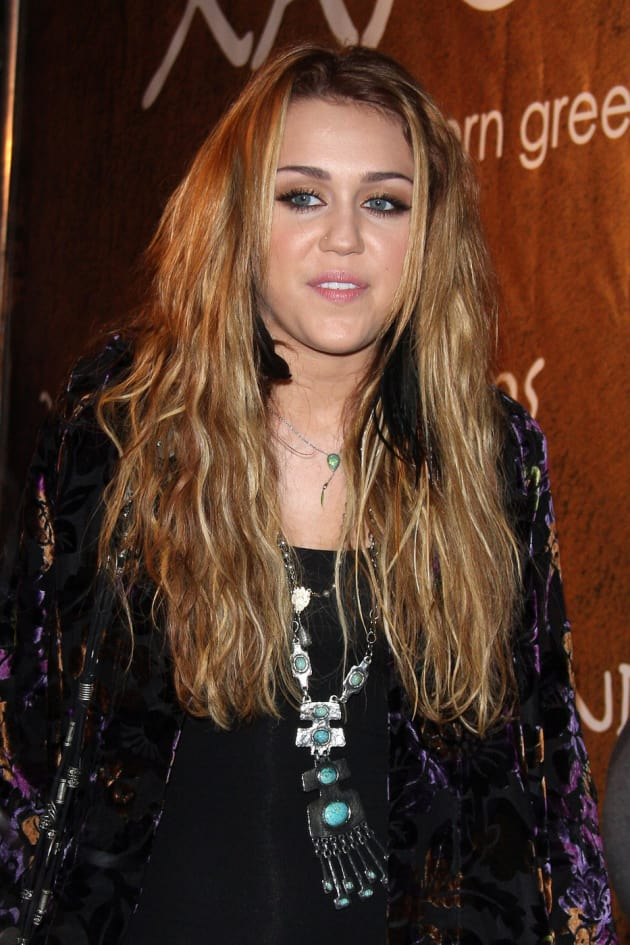 Miley Cyrus Braided And Beautiful The Hollywood Gossip