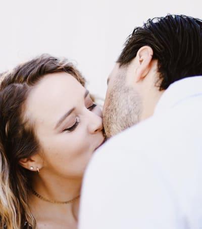 Jinger Duggar Openly Kisses Jeremy Vuolo