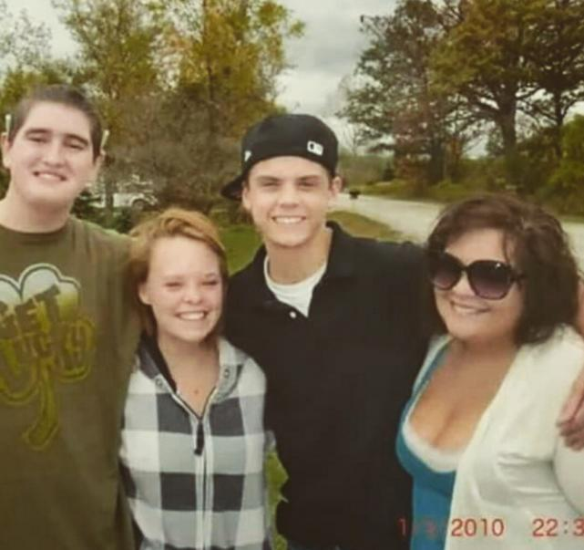Caitlynne Lowell and Tyler Baltierra in 2010