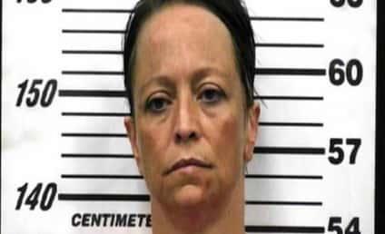 Woman Hides Stolen Cash in Rectum, Bleeds Out, Gets Arrested