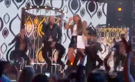 Ariana Grande Billboard Music Awards Performance 2014