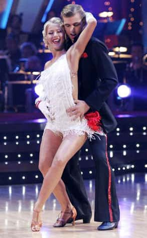 Julianne Hough, Cody Linley Dancing