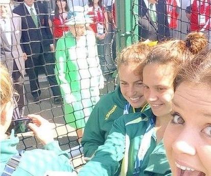 Queen Elizabeth II With Ausstralian Field Hockey Team