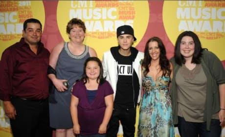 Justin Bieber's Mother: Worried About Son!