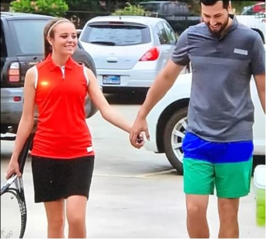 Jinger Duggar Wears a Mini Skirt!