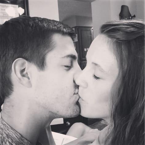 Jill Duggar and Derick Dillard Kiss Photo