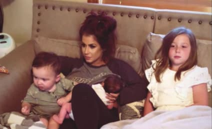 """Chelsea Houska Breastfeeds Daughter, Is Deemed """"Perfect"""" By Husband"""