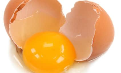 Man Eats 28 Raw Eggs, Dies