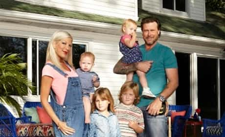 Tori Spelling, Dean McDermott, and Family